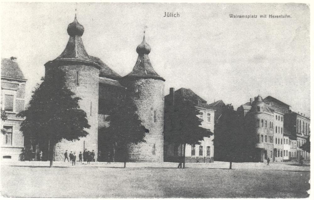 Dieser Ausschnitt aus einer Ansichtspostkarte von ca. 1915 diente als Vorlage für die lithografische Gestaltung der Rückseite des zweiten 50-Pfennig-Notgeldscheins der Stadt Jülich 1918.
